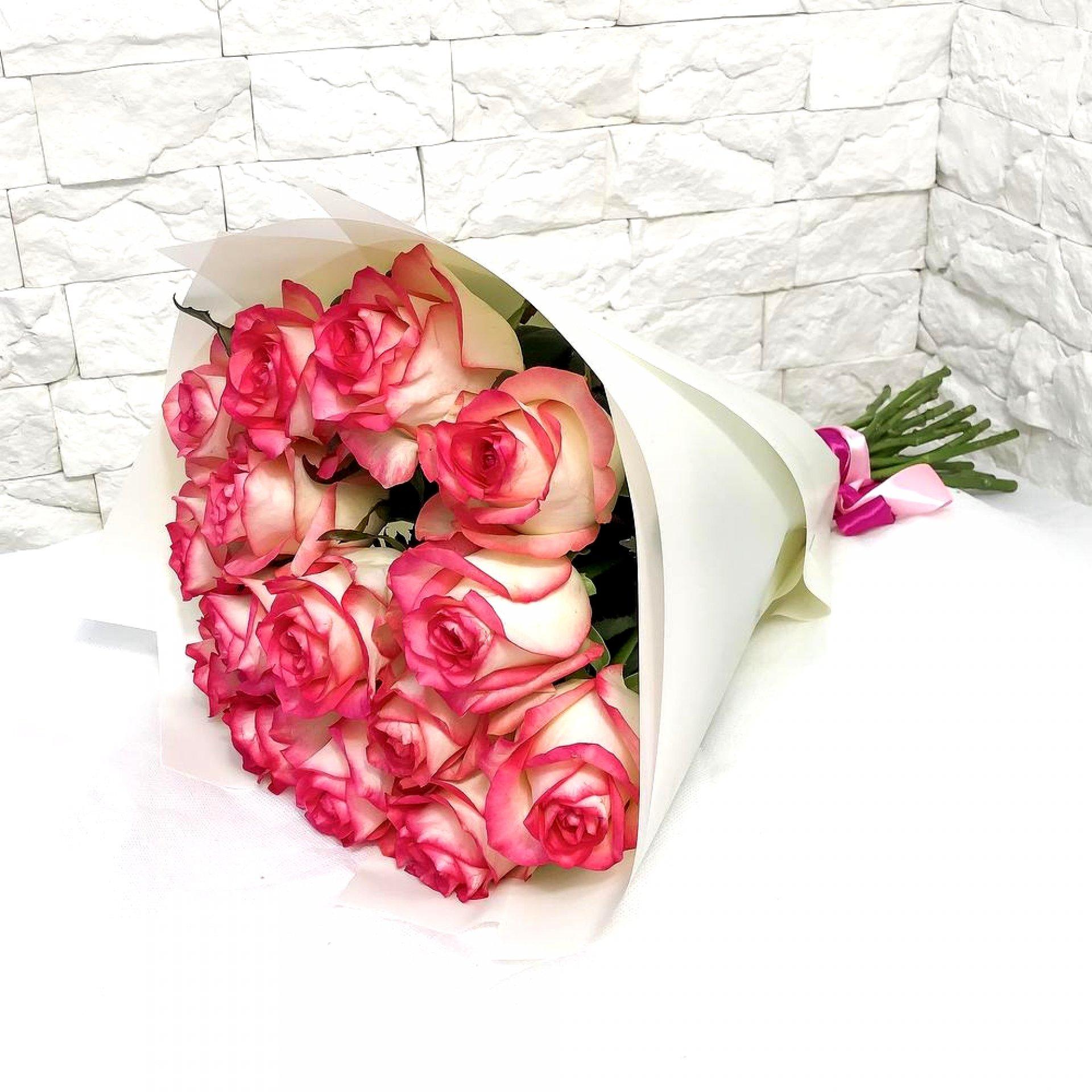 Букет нежно-розовых роз (15 шт)