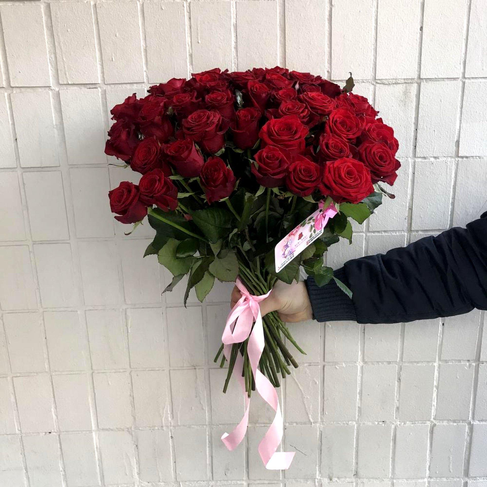 Букет красных роз (51 шт)