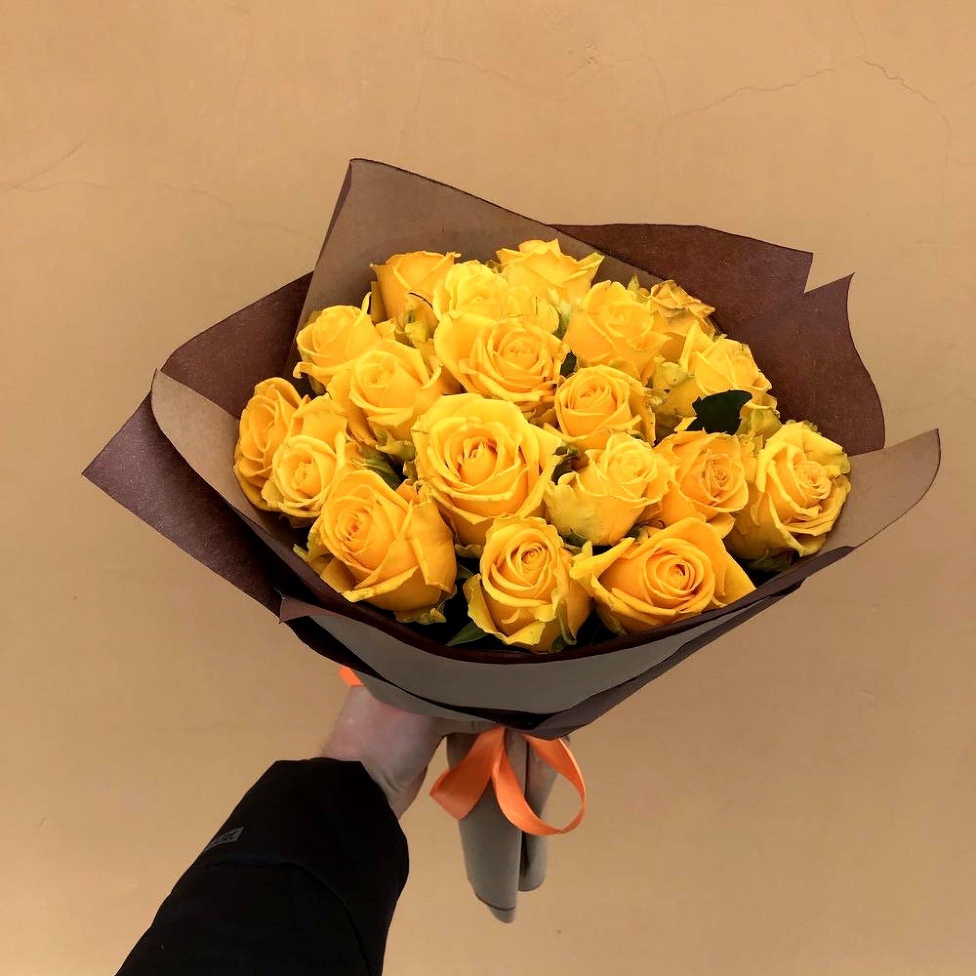 Букет желтых роз (19 шт)