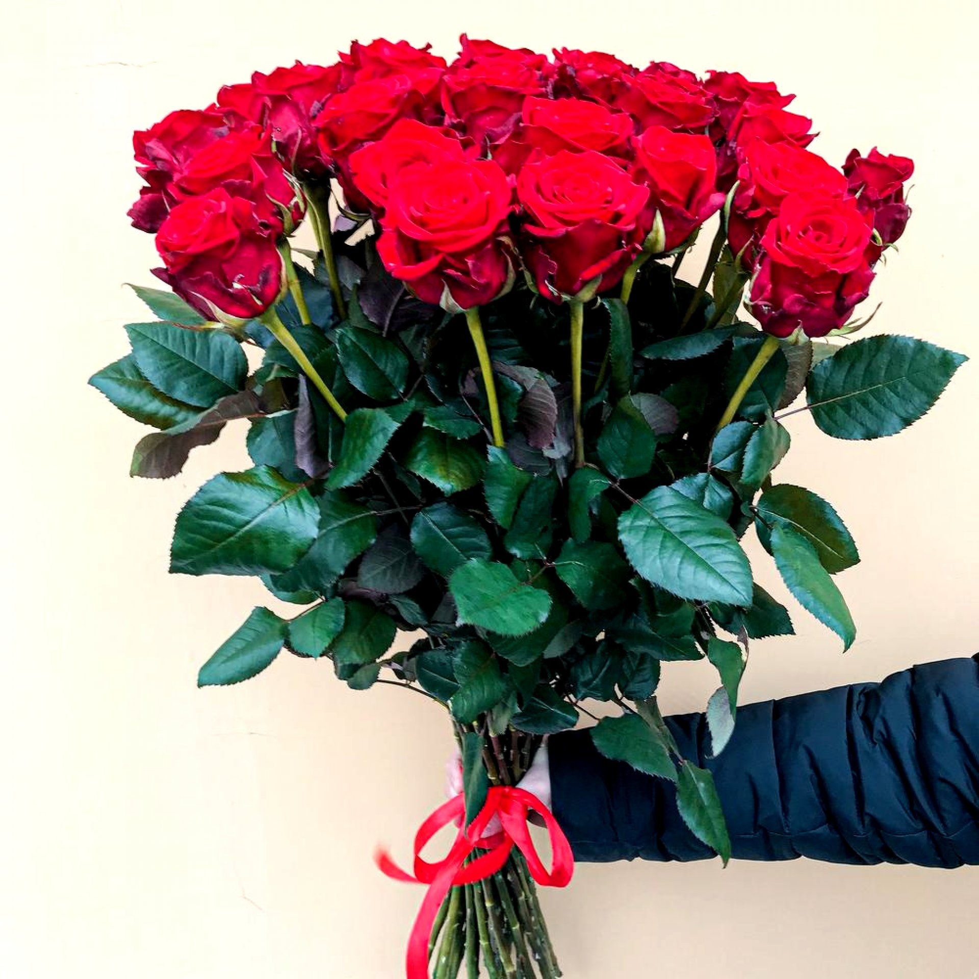 Букет из метровых роз «Мари»