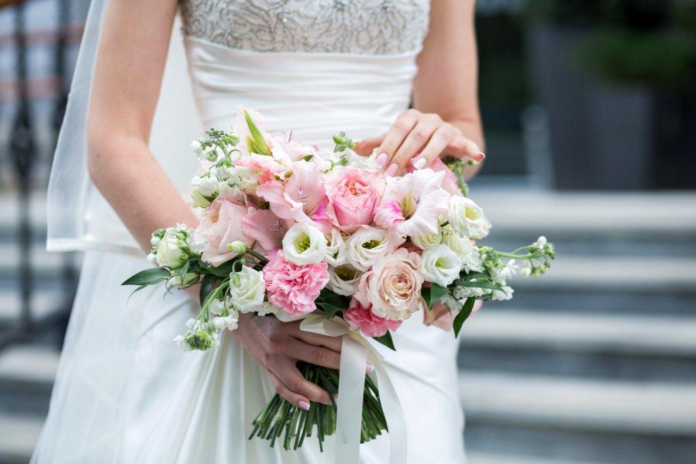 Свадебный букет в нежных тонах