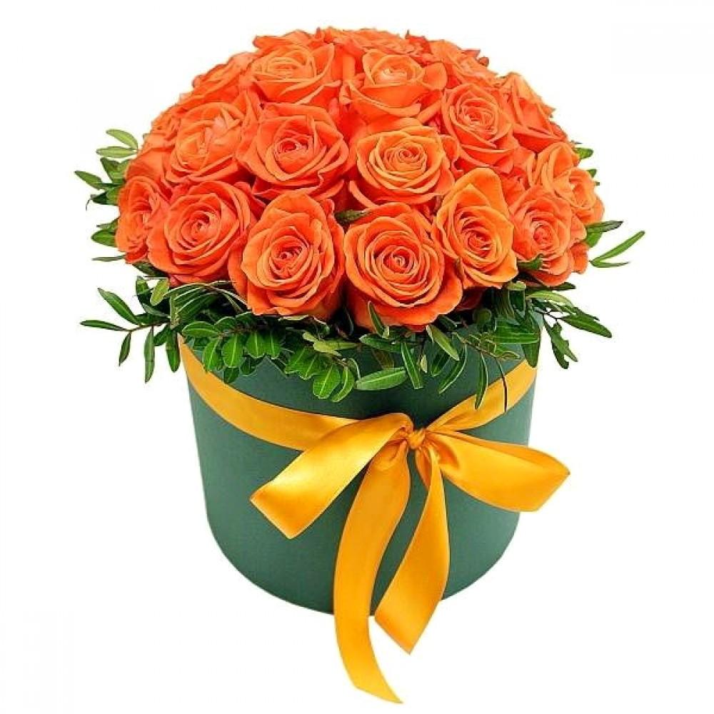 Оранжевые розы в коробке